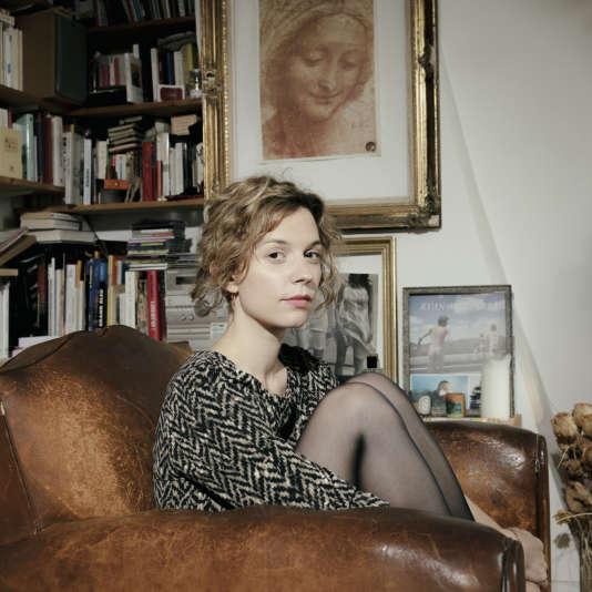 Portrait de Maëlle Poésy, comédienne et metteuse en scène, elle participe au Festival d'Avignon 2016. (Paris, juin 2016.)