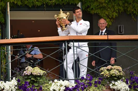 Novak Djokovic, le 12 juillet 2015 à l'issue de sa victoire contre Roger Federer.