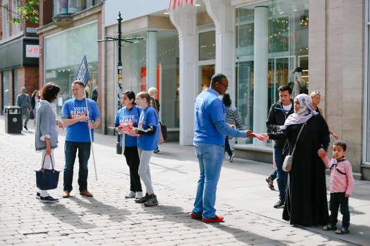 Des partisans du maintien du Royaume-Uni au sein de l'Europe, à Manchester, le 23 juin.