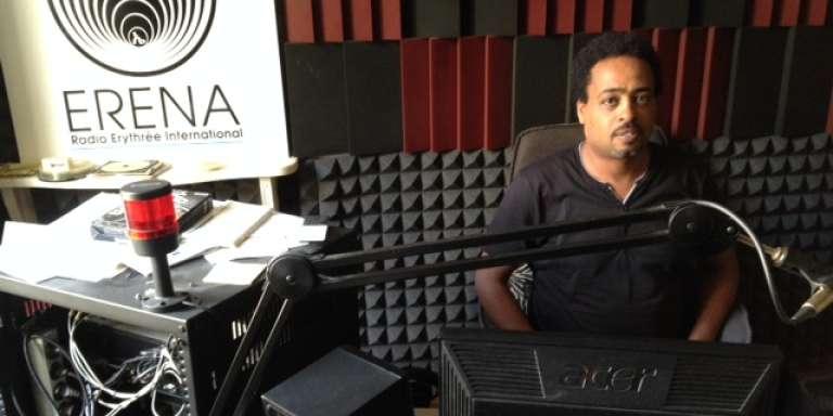 Biniam Simon, dans les locaux de Radio Erena, en mai 2016.