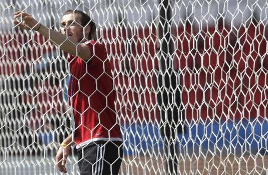 Il est libre Bale ?