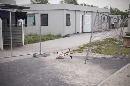 L'éducation nationale a détaché deux enseignants au Centre d'accueil Jules Ferry, à Calais.