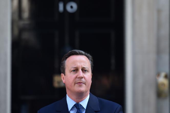 David Cameron annonce son prochain départ de son poste de premier ministre, devant le 10, Downing Street, le 24 juin 2016.