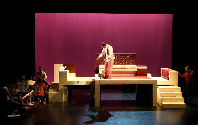 Répétition du spectacle mis en scène par Olivier Letellier, « Kalîla wa Dimna», au Théâtre du Jeu de paume à Aix-en-Provence, le 23 juin 2016.