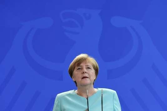 Angela Merkel s'exprime devant la presse au sujet du vote en faveur du Brexit.