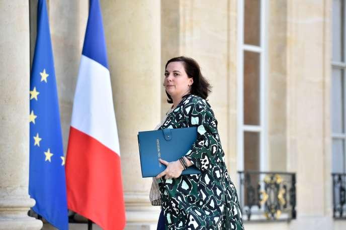 Emmanuelle Cosse arrivant au palais de l'Elysée, le 24 juin.