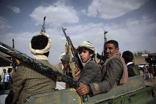 Des rebelles houthistes pendant un rassemblement destiné à mobiliser de nouveaux combattants, le 20 juin, à Sanaa.