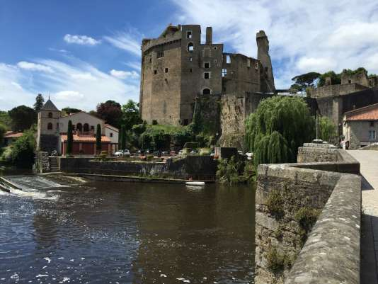 Clisson, charmant bourg médiéval à une trentaine de kilomètres au sud-est de Nantes, vendredi 24 juin.