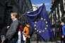 Devant Downing Street, à Londres, le 24 juin.