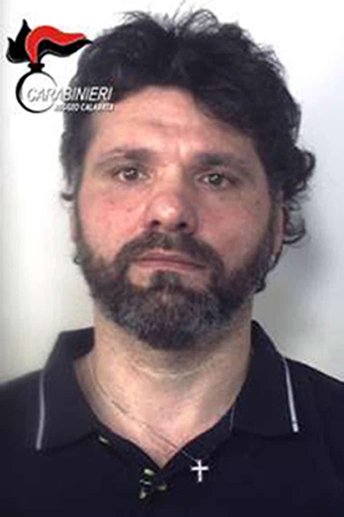 Photographie diffusée par la police d'Ernesto Fazzalari, arrêté dimanche 26 juin en Italie.