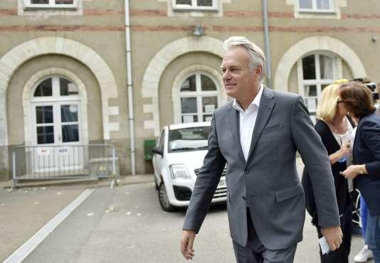 Jean-Marc Ayrault, domicilié à Nantes, est le seul membre du gouvernement à avoir pu participer à la consultation du 26juin.