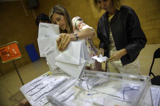 Podemos deviendrait la première force de gauche en Espagne, devant le Parti socialiste.