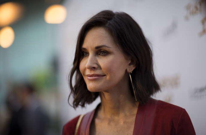 Courteney Cox, actrice américaine à la « coupe de maman».
