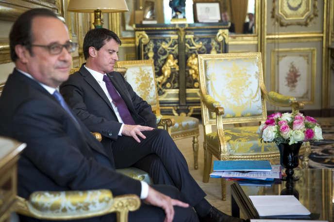 François Hollande et Manuel Valls reçoivent les chefs de parti, à l'Elysée, samedi 25 juin.