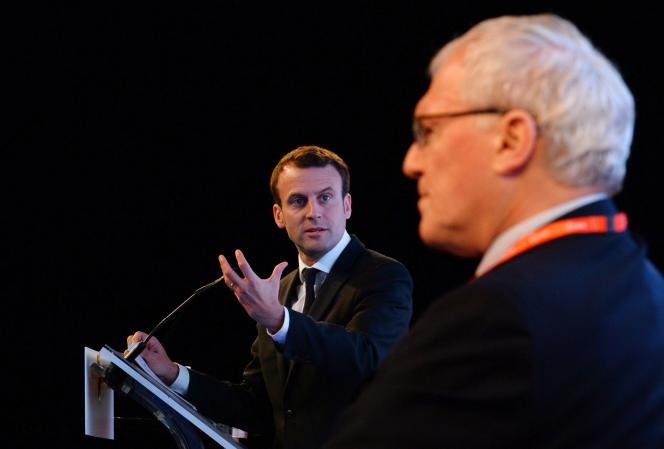 Jean-Bernard Lévy, PDG d'EDF, et Emmanuel Macron, ministre de l'économie.