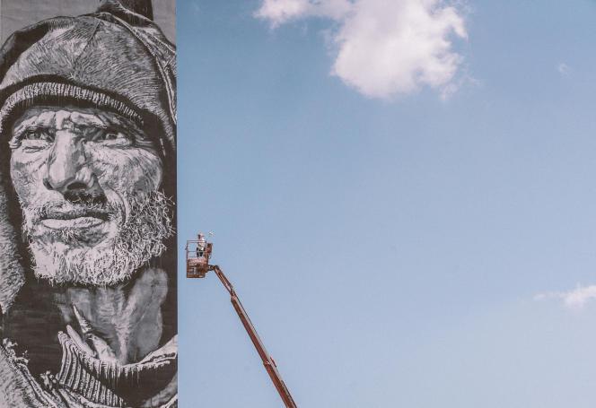 Le mur peint par le street artiste Hendrik Beikirch à Toulouse, dans le cadre du festival Rose Béton.
