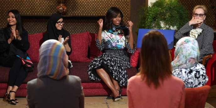 Le 28 juin 2016 à Marrakech,Michelle Obama et l'actriceMeryl Streep rencontrent des jeunes Marocaines bénéficiaires du programme