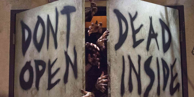 Halloween Le Zombie Parle De La Peur De La Destruction