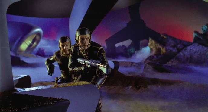 Des astronautes qui débarquent sur une planète et se retrouvent confrontés à une forme de vie inconnue, c'est le scénario de «La Planète des vampires»… ou celui d'«Alien» ?