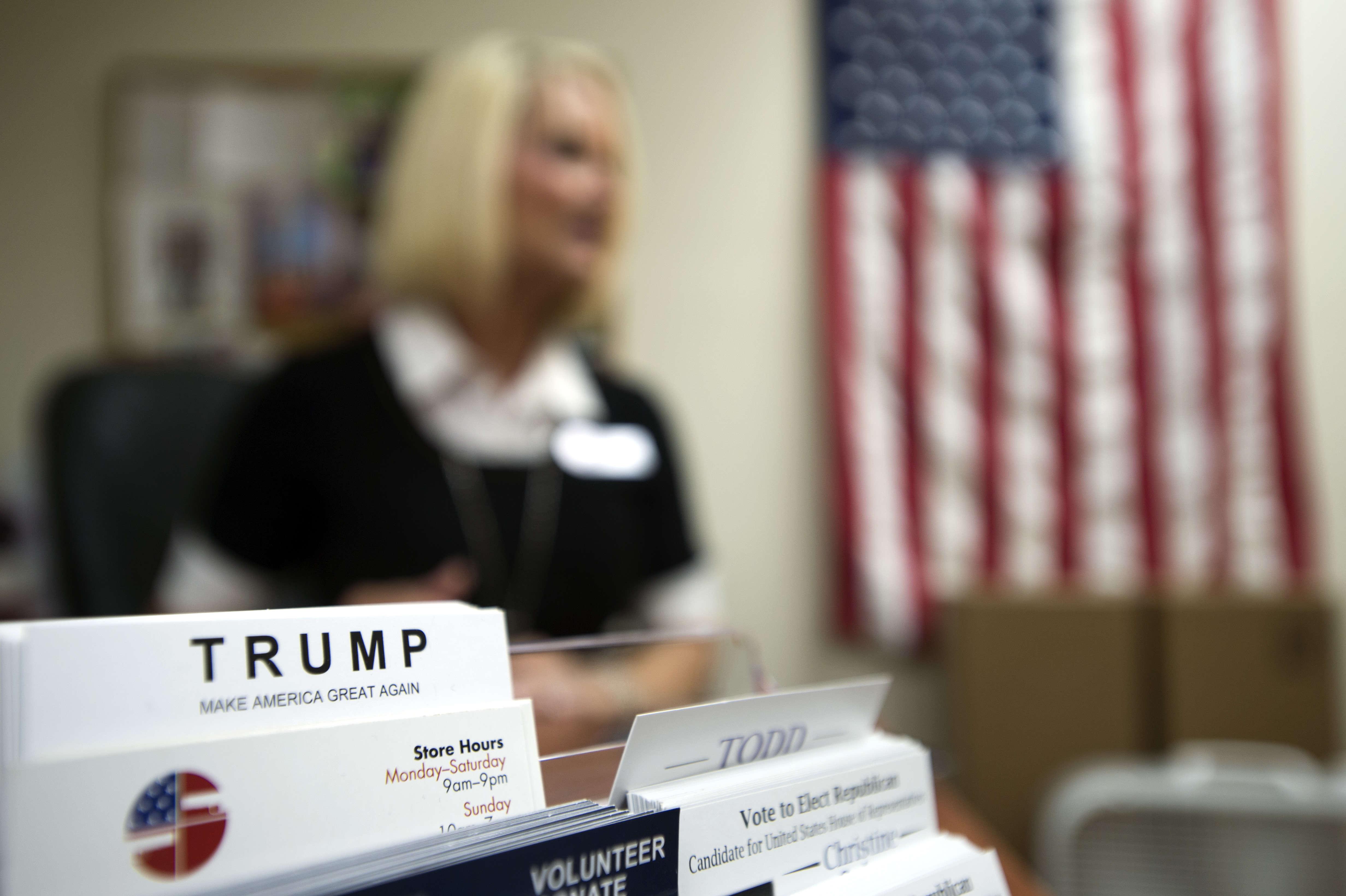 Christine Quinn, candidate républicaine à la Chambre des représentants, dans son bureau de Tampa, en Floride. Républicaine « conservatrice», ellesoutient la candidature de Donald Trump.