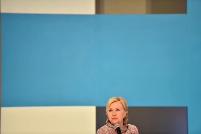 Hillary Clinton, lors d'une rencontre avec des créateurs de contenus numériques et des spécialistes des réseaux sociaux, le 28 juin, à Hollywood (Los Angeles, Californie).