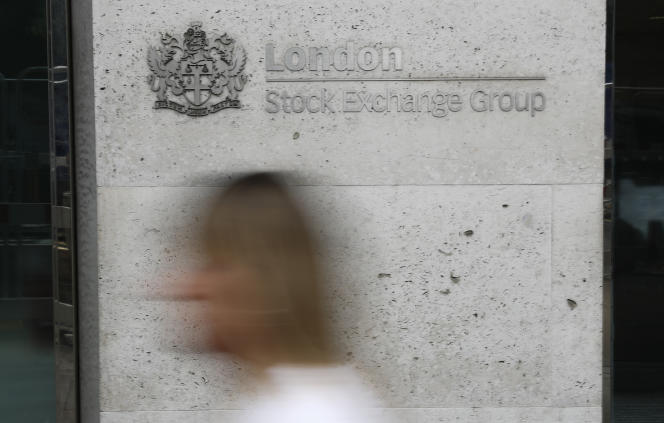 Le message envoyé par la communauté financière est celui de la confiance dans la Bourse de Londres, la place la plus internationale du monde et donc la moins sensible aux vicissitudes intérieures