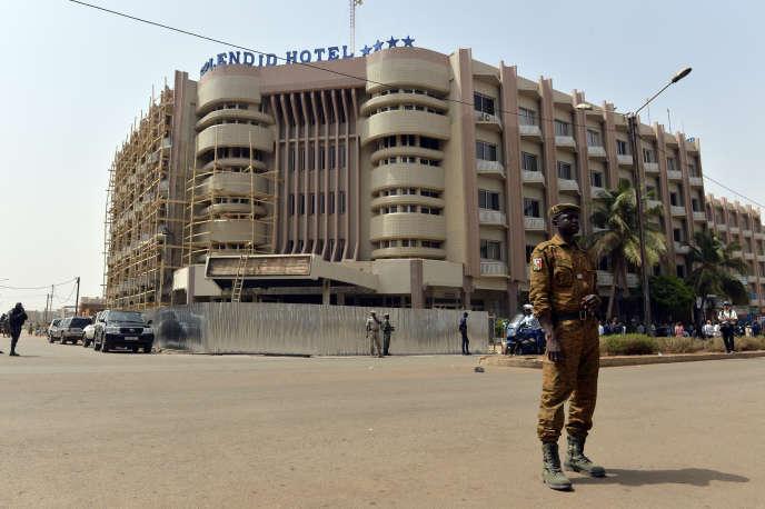 L'hôtelSplendid, en février 2016, moins d'un mois après l'attaque terroriste contre l'hôtel et un café voisin, le 15 janvier 2016.