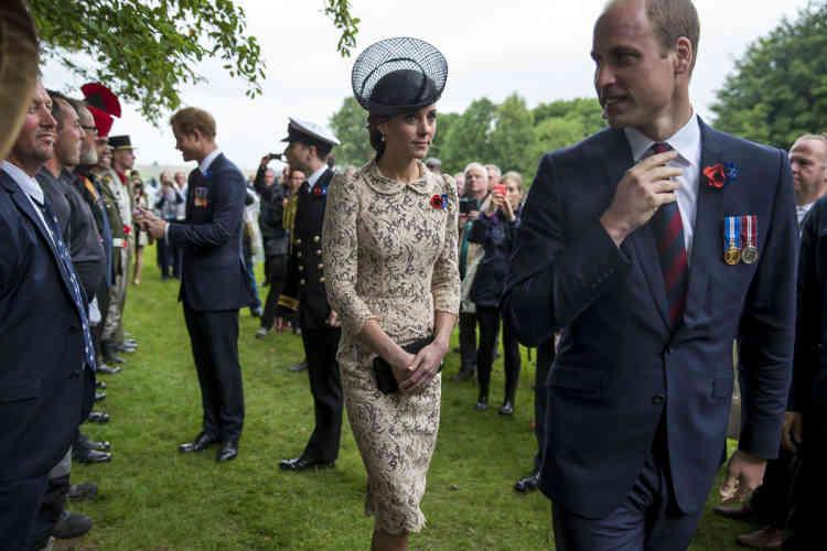 Le prince Harry, la princesse Kate et le prince William pendant la cérémonie du centenaire de la bataille de la Somme, le 1er juillet 2016.