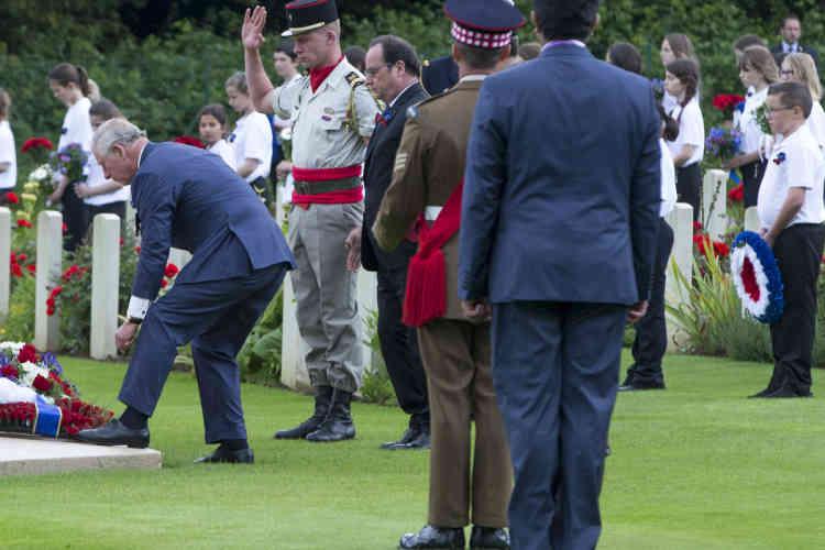 Le prince Charles et François Hollande participent à la cérémonie du centenaire de la bataille de la Somme.