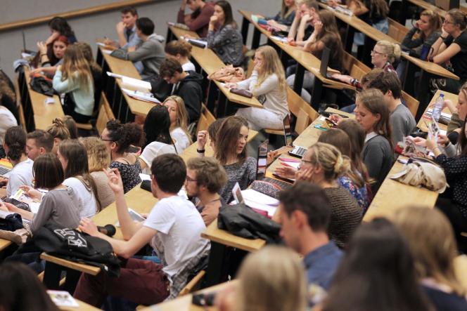 Rentrée 2015 à l'université de Caen (Calvados).