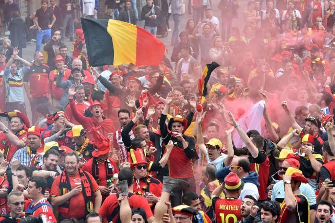 Les supporteurs belges sur la Grand'Place à Lille, le 1er juillet.