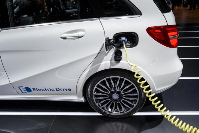 Une voiture électrique, le 3 mars 2015, à la journée du Salon automobile de Genève.