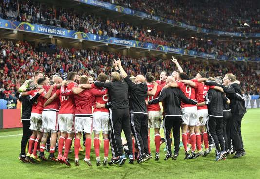 Les Gallois célèbrent leur victoire, le 1er juillet.