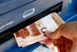 Distributeur de billets à Minsk (Bielorussie) le 1er juillet 2016.