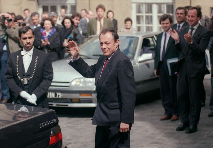 Michel Rocard, le 16 mai 1991, quittant Matignon.