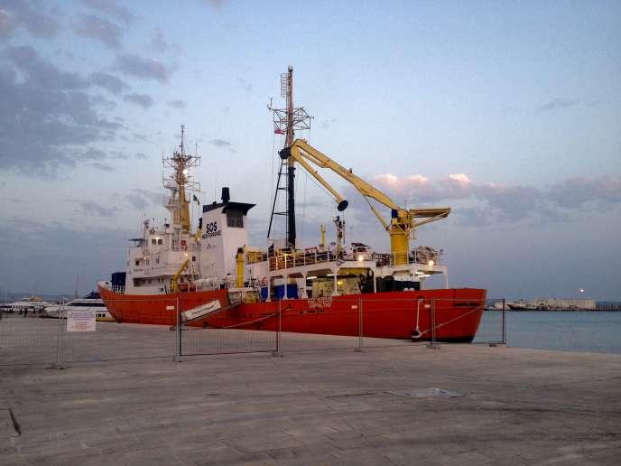 L'«Aquarius», dans le port de Trapani, en Sicile.