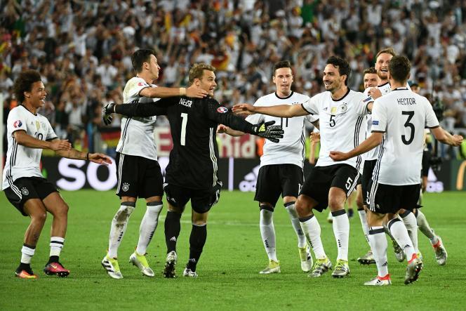 La joie des joueurs allemands après leur victoire sur l'Italie.