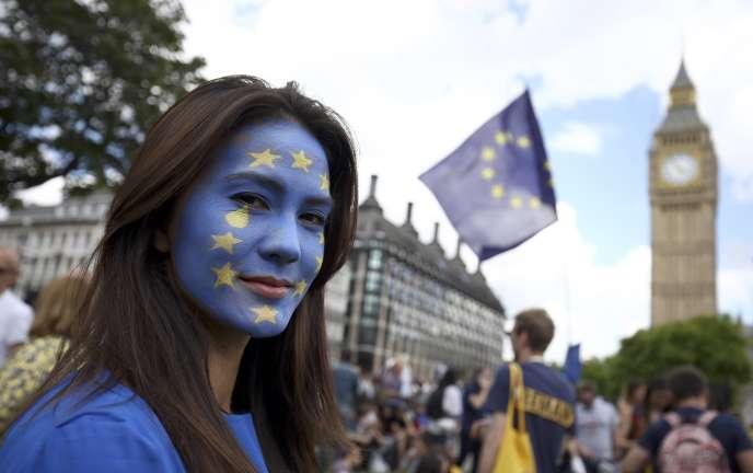 « Même dérégulés, les marchés ne fournissent pas le canal de financement du secteur privé susceptible d'assurer les investissements qui feront, demain, la prospérité des Britanniques, et plus généralement des Européens».