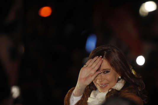 L'ancienne présidente argentineCristina Fernandez de Kirchner à son arrivée à l'aéroport de Buenos Aires, le 2 juillet 2016.