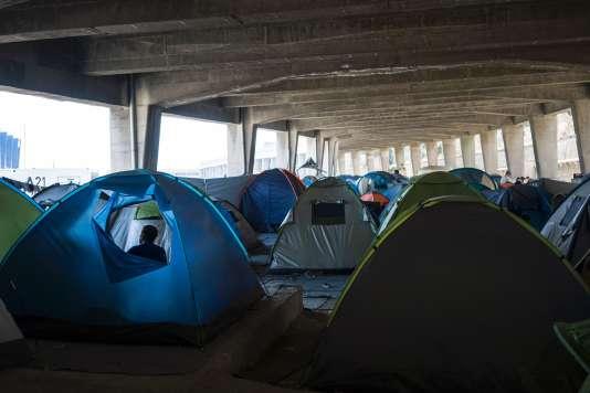 Dans un camp de réfugiés près du port du Pirée à Athènes, le 3 juillet 2016.