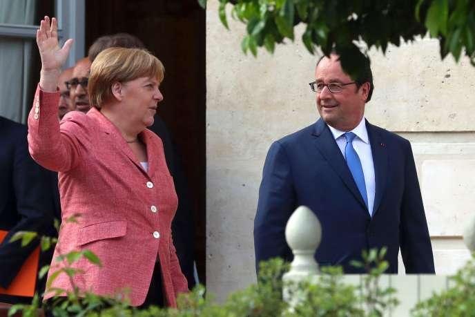 «Ce que le sort des armes a refusé à l'Allemagne au XXe siècle, la paix le lui a offert au XXIe siècle» (Photo: Merkel et Hollande le 4 juillet à Paris).