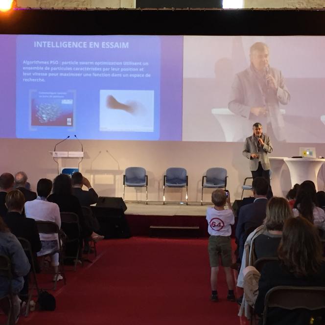 Lors de l'événement Biomim expo, qui s'est tenu les 1er et 2 juillet à Senlis (Oise), de nombreux conférenciers, dont Tarik Chekchak, ont vanté les innovations possibles et nécessaires grâce au biomimétisme.