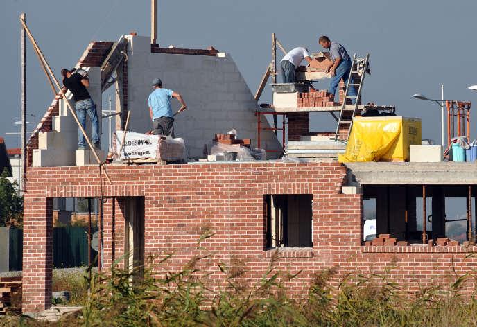 Une maison en cours de construction à Estaires (Nord).