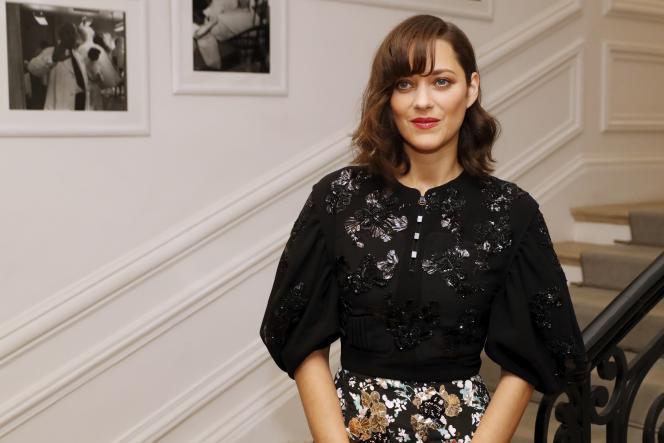 Marion Cotillard lors du défilé Dior automne-hiver 2016-2017, le 4 juillet à Paris.