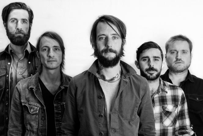 Le groupe de rock américain Band Of Horses, emmené par le chanteur Ben Bridwell (centre), était à l'affiche du Main Square festival dimanche 3 juin.