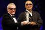 Martin Scorsese (à gauche) remet un prix à Abbas Kiarostami, le 19 novembre 2005, au festival deMarrakech.