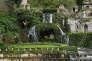 Dans les jardins de la villa d'Este, Tivoli, Italie (XVIe siècle).