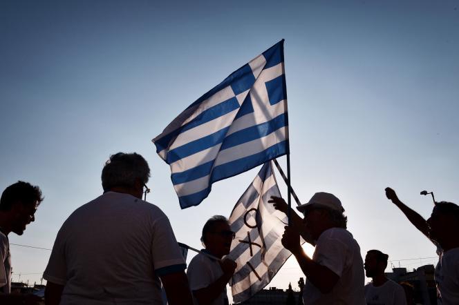 Manifestation en face du parlement grec à Athènes, le 5 juin 2016, pour célébrer le première anniversaire du référendum au cours duquel 62% de la population a voté« non» (« oxi») à de nouvelles mesures d'austérité.