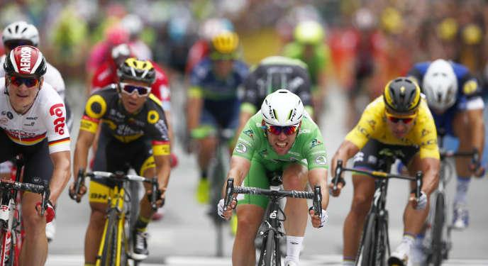 Le Britannique Mark Cavendish vainqueur de la 3e étape du Tour de France, lundi 4 juillet, à Angers.