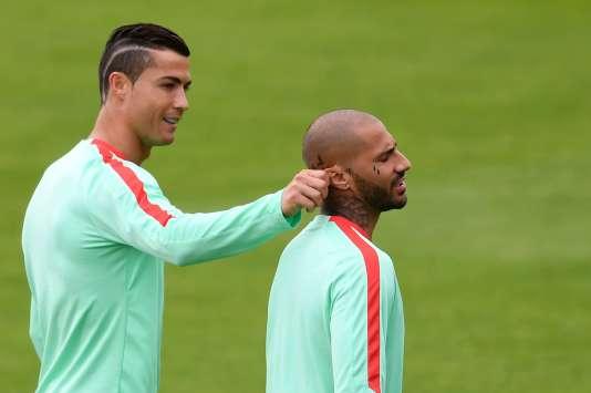 Cristiano Ronaldo et son copain Ricardo Quaresma, le 5 juillet.